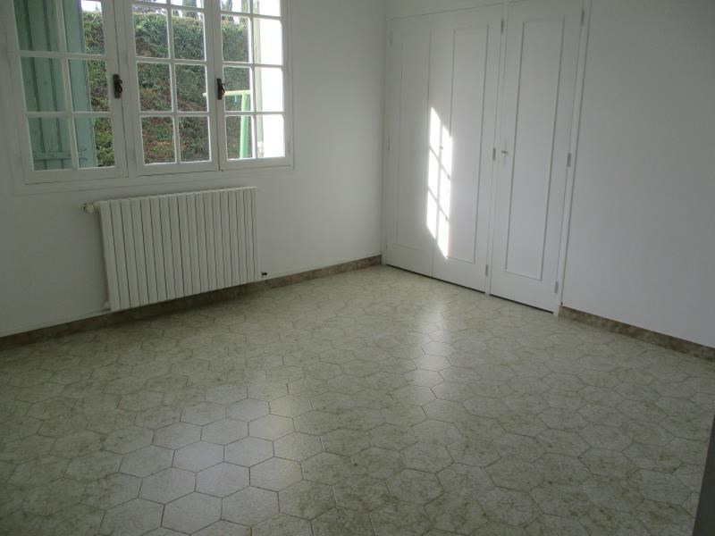 Rental house / villa Salon de provence 1170€ CC - Picture 8