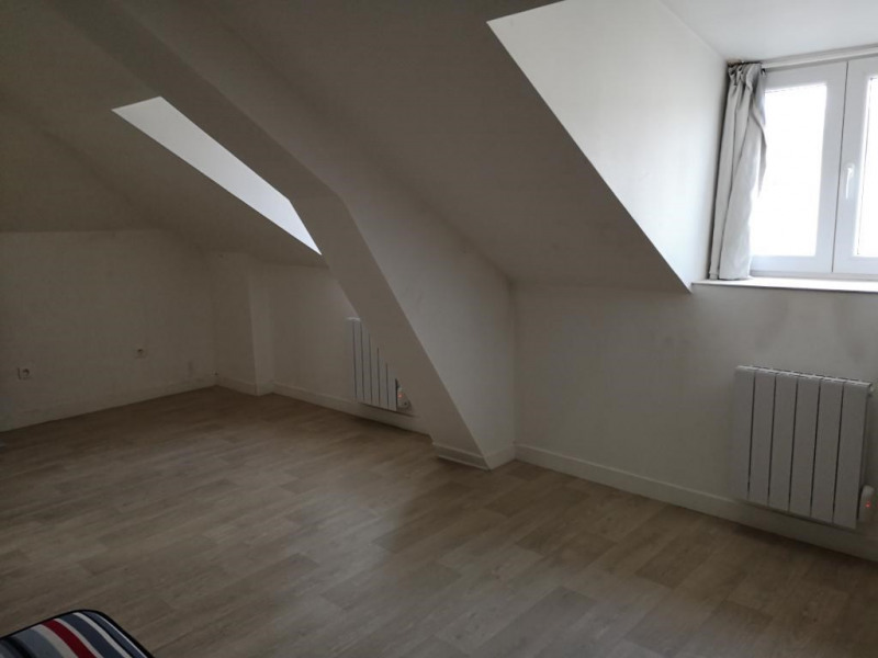 Rental apartment Montargis 300€ CC - Picture 1