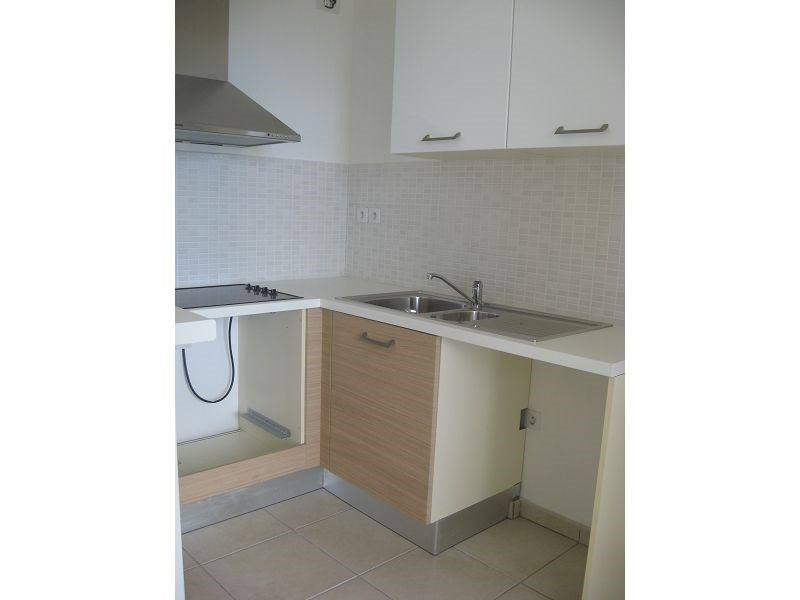 Location appartement Ste clotilde 705€ CC - Photo 5