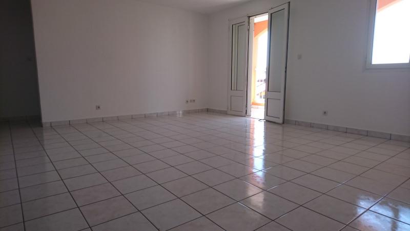 Location appartement Saint-andré 740€ CC - Photo 4