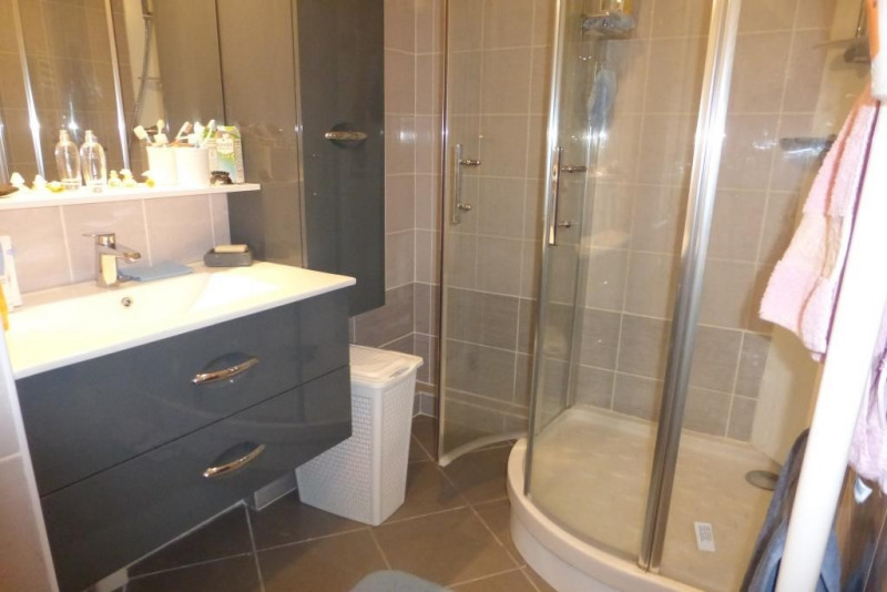 Vente appartement Hyeres 336000€ - Photo 4