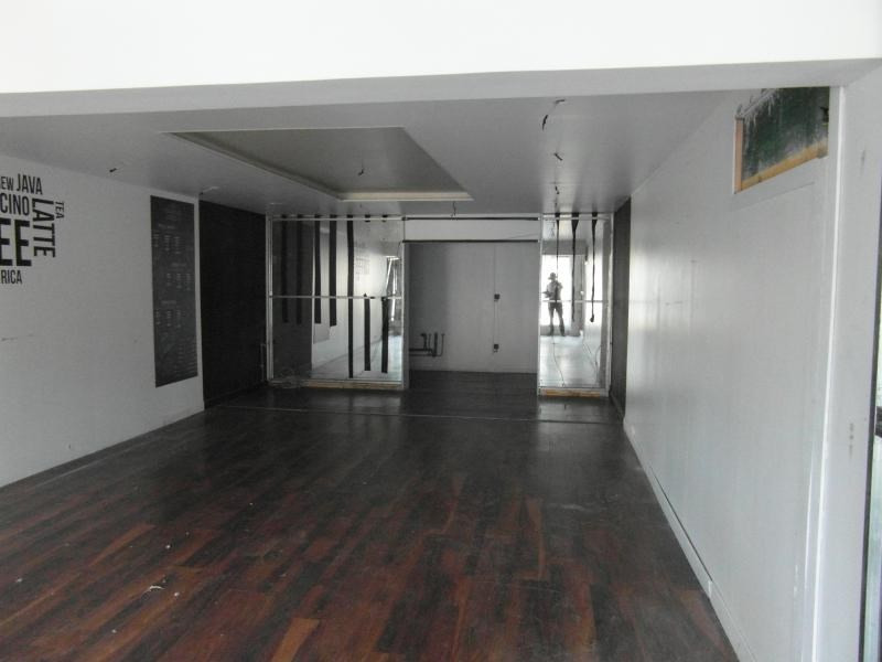 Location local commercial St denis 1 300€ HT/HC - Photo 2