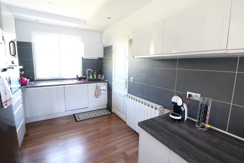 Sale house / villa Thyez 351000€ - Picture 3
