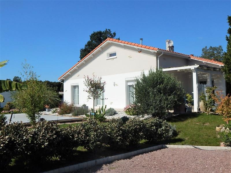 Sale house / villa Saujon 315880€ - Picture 1
