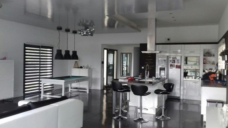 Deluxe sale house / villa Janneyrias 590 000€ - Picture 3
