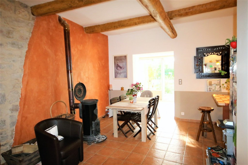 Sale apartment Meyrargues 232 000€ - Picture 3