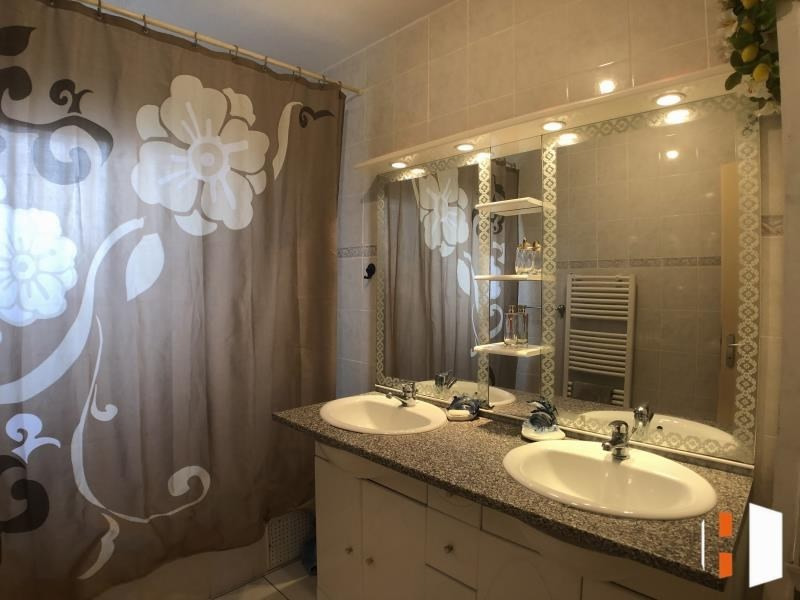 Sale house / villa Libourne 176000€ - Picture 4