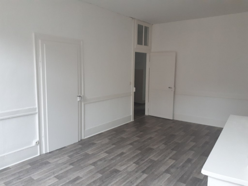Rental apartment Saint omer 504€ CC - Picture 2