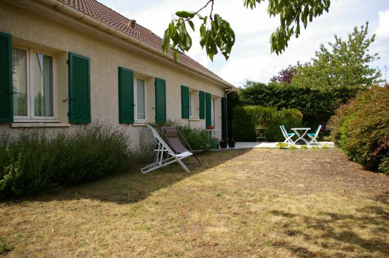 Sale house / villa Carrieres sous poissy 520000€ - Picture 1