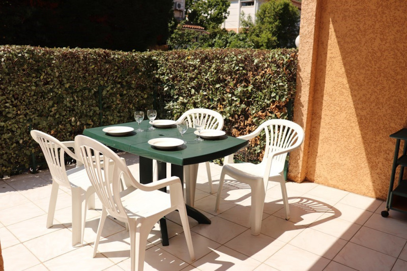 Vacation rental apartment Cavalaire sur mer  - Picture 1