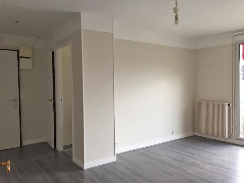 Rental apartment Rueil malmaison 1230€ CC - Picture 6