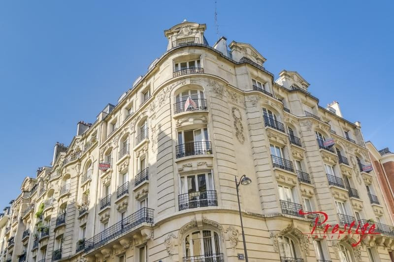 Vente de prestige appartement Paris 18ème 1 689 000€ - Photo 2