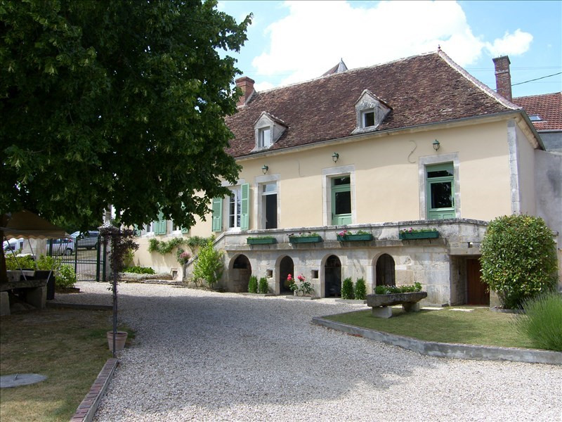 Vente maison / villa Auxerre 265 360€ - Photo 1