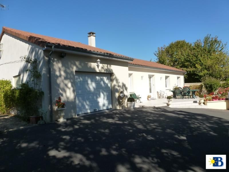 Vente maison / villa Antran 159 000€ - Photo 1