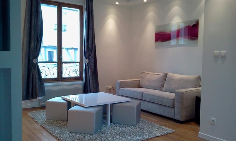 Location appartement Paris 2ème 2100€ CC - Photo 1