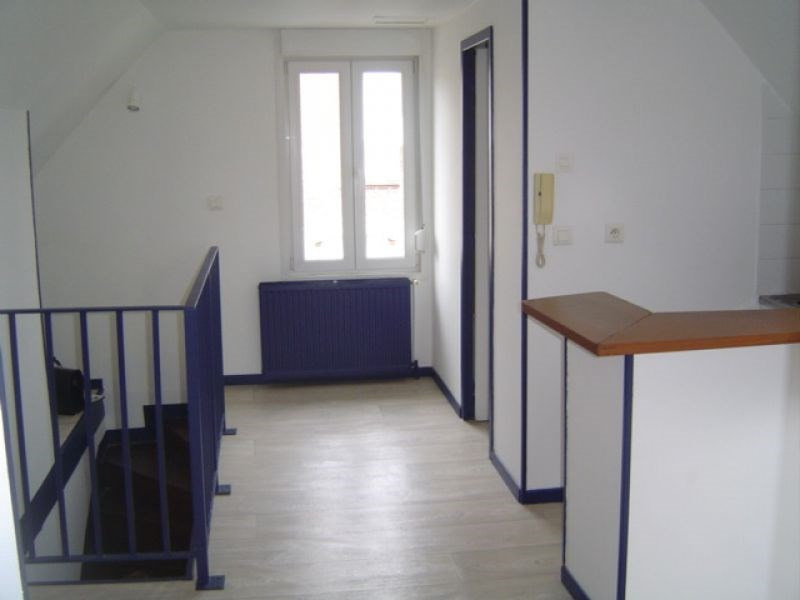 Rental apartment Saint quentin 400€ CC - Picture 3