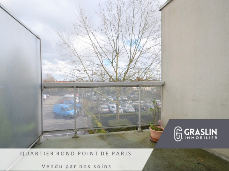 Studio de 43m² avec terrasse et parking et ascenseur