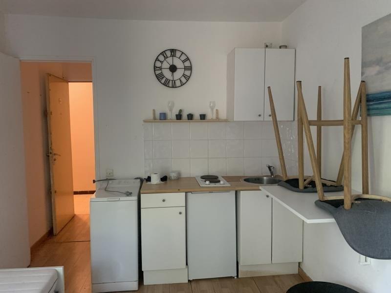 Rental apartment Marseille 8ème 490€ CC - Picture 2