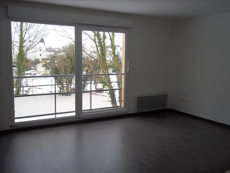 Sale apartment Persan 115000€ - Picture 2