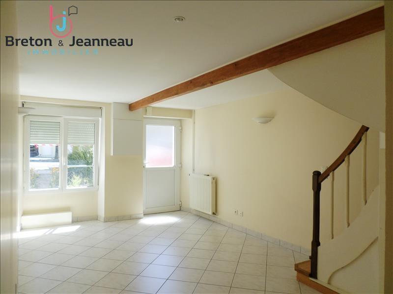 Rental house / villa St berthevin 490€ CC - Picture 1
