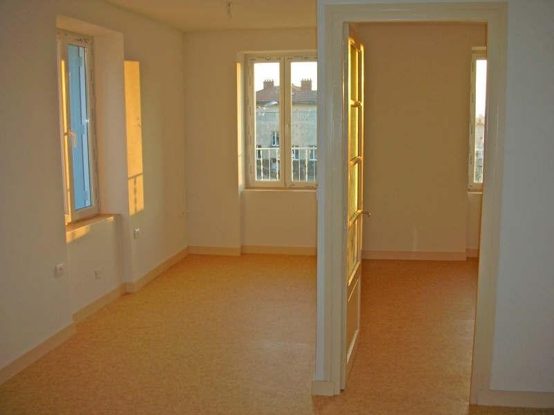 Location appartement Landos 266,79€ CC - Photo 1