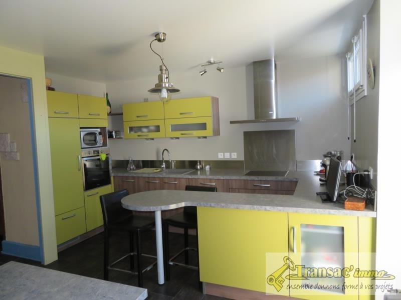 Sale house / villa Puy guillaume 97 650€ - Picture 4
