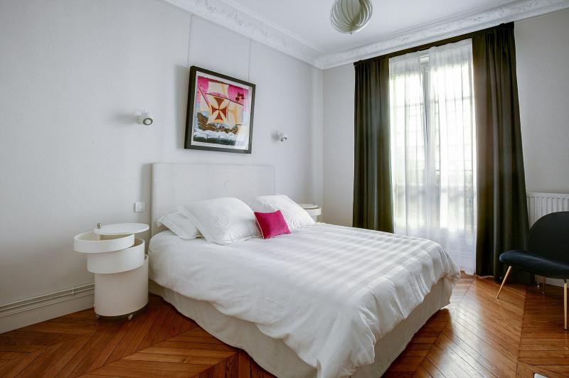 Location appartement Paris 19ème 2600€ CC - Photo 9