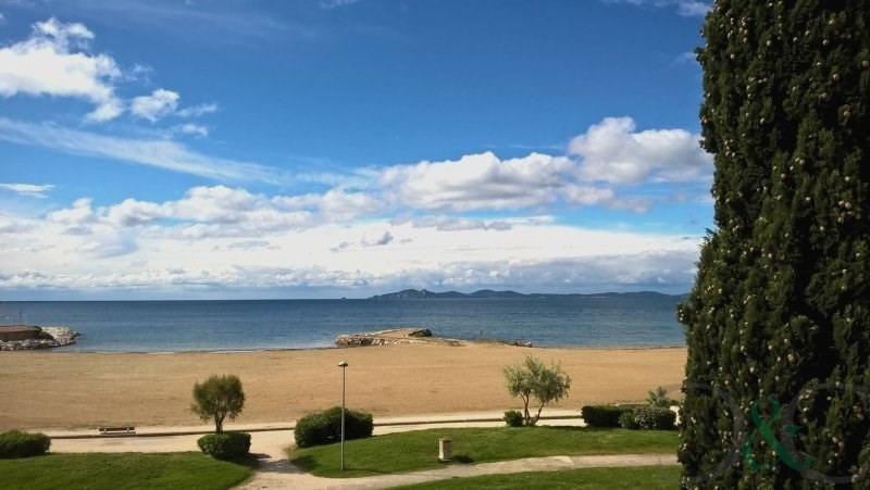 Deluxe sale apartment La londe les maures 189 500€ - Picture 1