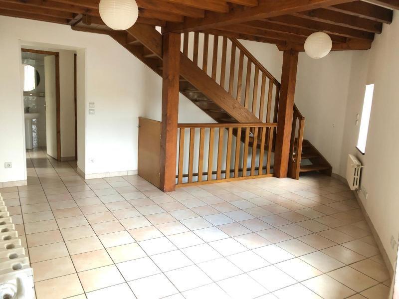 Location maison / villa Lucenay 799€ CC - Photo 1