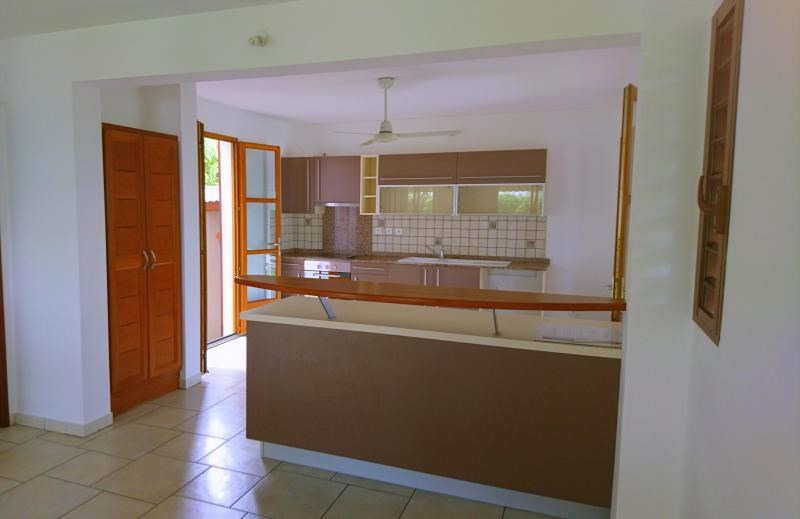 Vente maison / villa Saint paul 391000€ - Photo 6