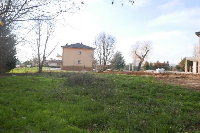 Terrain viabilisé - 600 m² - ch