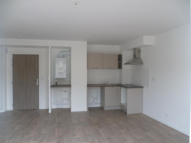 Rental apartment Pont l eveque 505€ CC - Picture 1