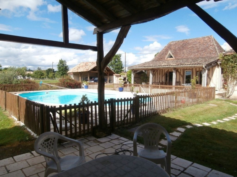 Sale house / villa Saint pierre d'eyraud 370 000€ - Picture 3