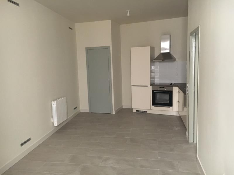 Rental apartment Nimes 486€ CC - Picture 2