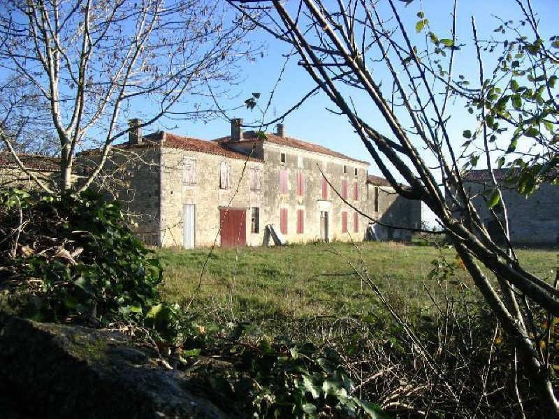 Sale house / villa Aigre 128000€ - Picture 2
