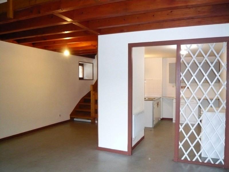 Location appartement Cremieu 465€ CC - Photo 2
