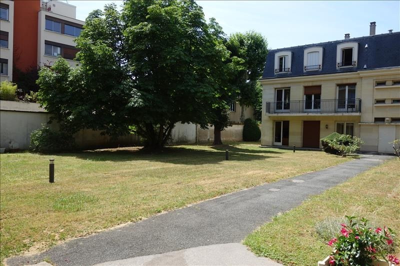 Rental apartment Le chesnay 750€ CC - Picture 2