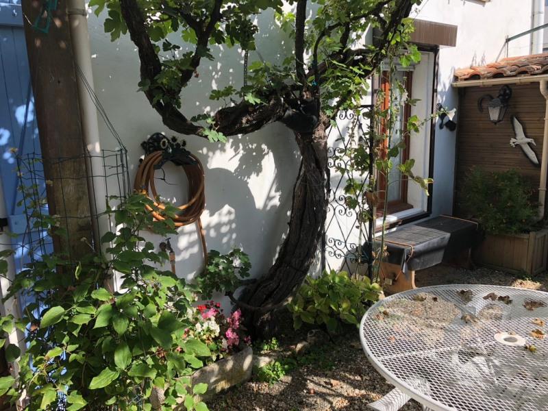 Sale house / villa Meschers sur gironde 152250€ - Picture 2