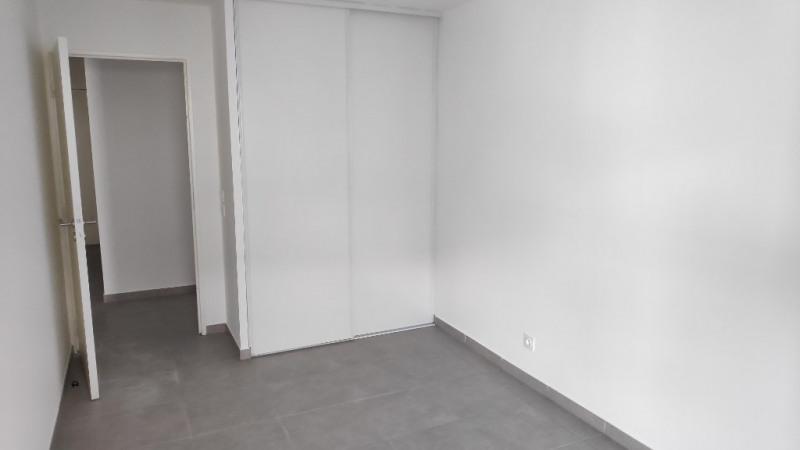 Rental apartment Saint laurent du var 960€ CC - Picture 9