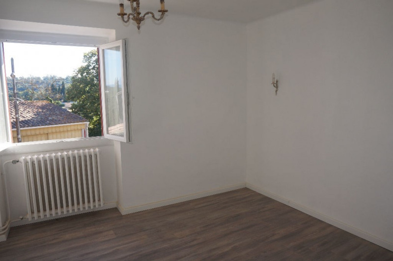 Location maison / villa Roullens 620€ CC - Photo 2