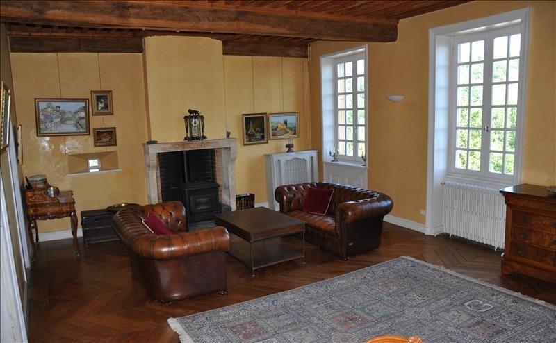 Deluxe sale house / villa Arnas 570000€ - Picture 1