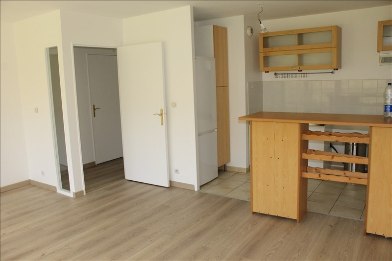 Rental apartment Osny 768€ CC - Picture 2