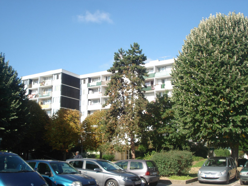 Sale apartment Trappes 128 000€ - Picture 1