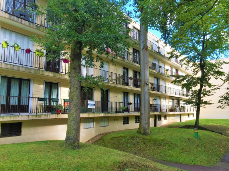 Location appartement L'isle-adam 885€ CC - Photo 1
