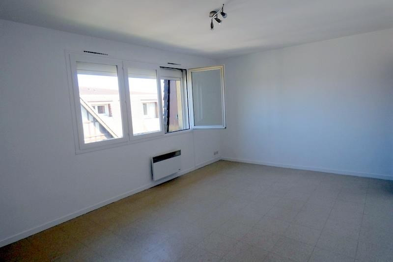 Rental apartment Conches en ouche 355€ CC - Picture 1
