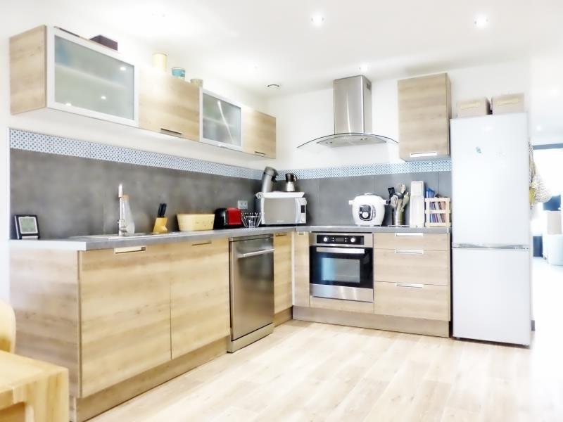 Sale apartment Cluses 200000€ - Picture 2