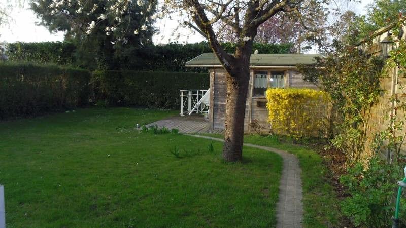 Sale house / villa Lesigny 305000€ - Picture 1
