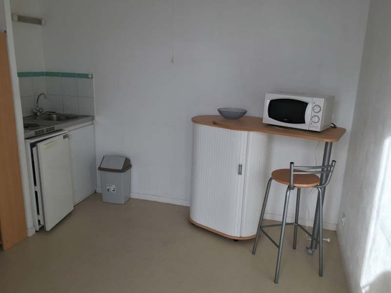 Rental apartment Poitiers 354€ CC - Picture 3