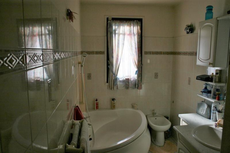 Sale house / villa Roquebrune sur argens 399500€ - Picture 6
