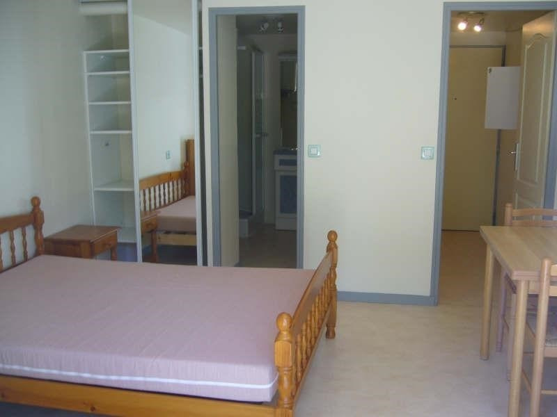 Rental apartment Chambery 530€ CC - Picture 2